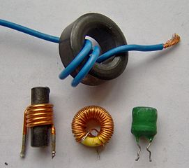271px-Electronic_component_inductors.jpg